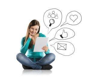 Genç kullanıcılar arasında yeni sosyal medya trendleri Gençler mobil uygulamalarda da sosyalliği tercih ediyor