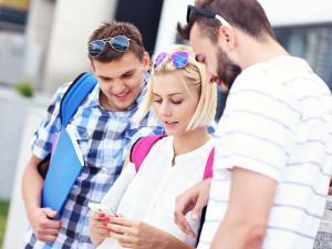 Genç kullanıcıları cezbedecek bir mobil uygulama hazırlamak içim ipuçları